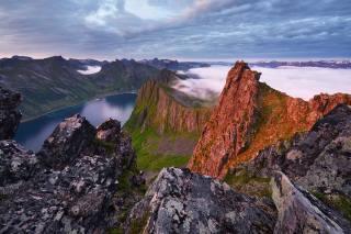 море, облака, пейзаж, горы, природа, скалы, остров, утро, Норвегия, Максим Евдокимов, Сенья