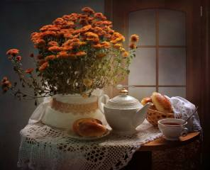 still life, table, napkin, kettle, Cup, plate, basket, cakes, пироги, flowers, chrysanthemum, the door