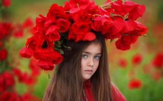 girl, red poppies, wreath