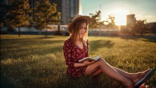 лето, девушка, на траве, книга, фотограф, Павел Кулагин