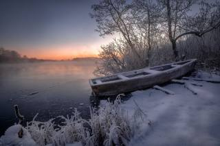 winter, frost, grass, snow, trees, landscape, nature, the lake, dawn, boat, morning, frost, Андрей Чиж, Шатура