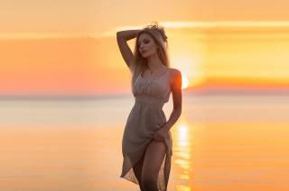 girl, sunset, the sun, summer, sea, water