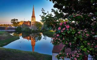 Kodaň, Dánsko, kostel, řeka, město, květiny