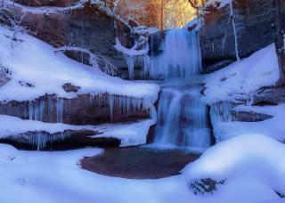 сосульки, замерзший зимний водопад, мороз, пруд