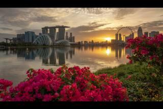 Вечерний вид на отель, Марина Бэй Сэндс со стороны залива, Республика Сингапур обои для рабочего стола