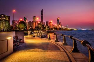 voda, město, budovy, večer, osvětlení, světla, nábřeží, spojené arabské emiráty, Abu-Dhabi, emiráty