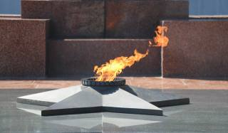 May 9, holiday, eternal flame