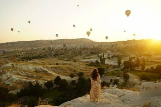 дівчина, Кулі, повітряні, краєвид