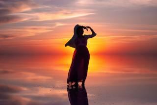 žena, silueta, pláž, západ slunce
