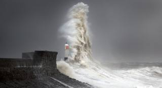 wave, lighthouse, the breakwater
