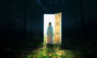 stodola, temnota, holka, světlo