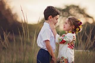 Daniela Gabay, children, boy, girl, a couple, nature, grass, tenderness, bokeh