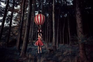 дівчина, ліс, повітряна куля