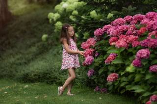 summer, flowers, nature, girl, The BUSHES, child, hydrangea, Анастасия Бармина, Бармина Анастасия