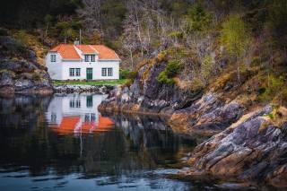 dům, jezero, skály, odraz