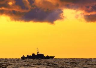 тральщик, sea, the sky