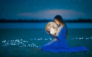 girl, the moon