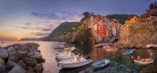 sea, sunset, rock, shore, stones, home, boats, Italy, town, Italy, Riomaggiore, Риомаджоре, Cinque Terre, Cinque Terre, Liguria, Liguria, Майк Рейфман