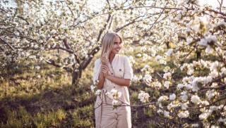 holka, jaro, kvetoucí