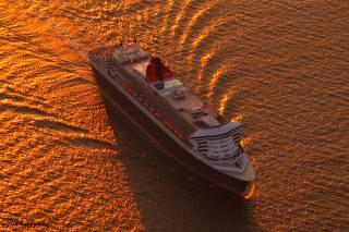výletní, výletní loď, večer