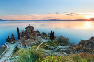 kostel, jezero, příroda