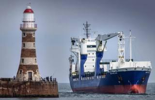 корабель, кабелеукладчик, маяк