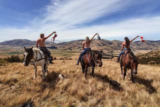 дівчата, коні, степ, небо, природа, люди