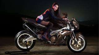 дівчина, позує, брюнетка, смотрит на зрителя, мотоцикл, байк, мото, жінки, поза, брюнетка, looking at viewer, мотоцикл, велосипед, Мото
