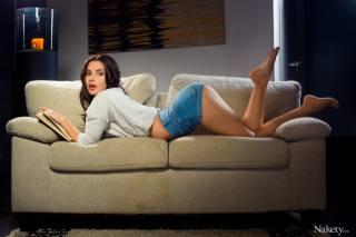 Jasmine Jazz, girl, sofa, shorts