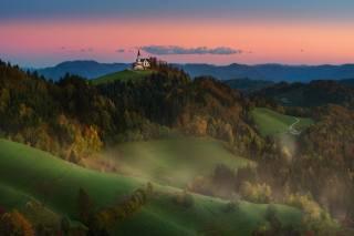 краси матаров, Словения, природа, пейзаж, холмы, луга, Леса, церковь, горы