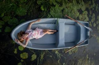 лодка, девушка