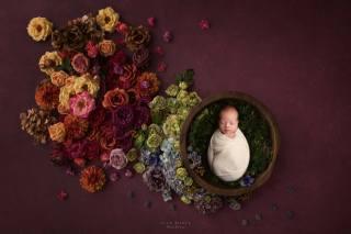 дитина, малюк, квіти