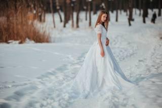снег, белое платье, зима, анна тихонова, девушка, мороз, взгляд, модель, лицо, причёска, снег, белое платье, зима, anna tikhonova, девушка, Мороз, смотреть, Модель, лицо, hairstyle