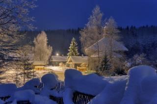 Сергей Гармашов, příroda, krajina, zima, sníh, doma, vesnice, stromy, les, cesta, plot, osvětlení, ráno