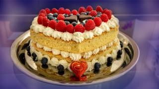 бісквіт, ягоди, крем, цукерки, торт