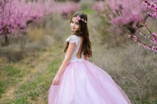 child, dresses, girl, looks