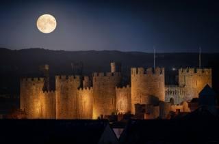 ніч, місяць, замок