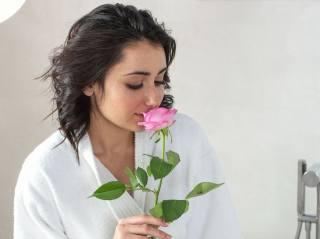 Dionisia, дівчина, мила, красива, роза, аромат, кохання