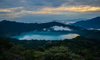 озеро, хмари, гори