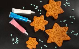 печиво, сніжинки, з, фарбами, на, столі
