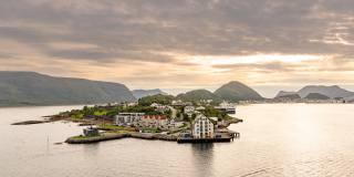 море, місто, пагорби, небо, Норвегія