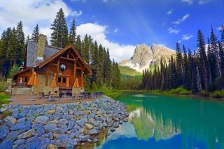 Canada, the lake, mountains, Forest