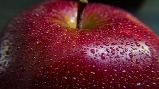 fernando zhiminaicela, jablko, kapky, voda