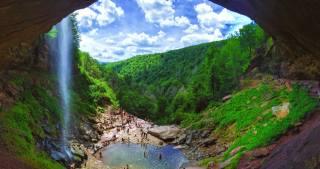 скалы, водоем, люди